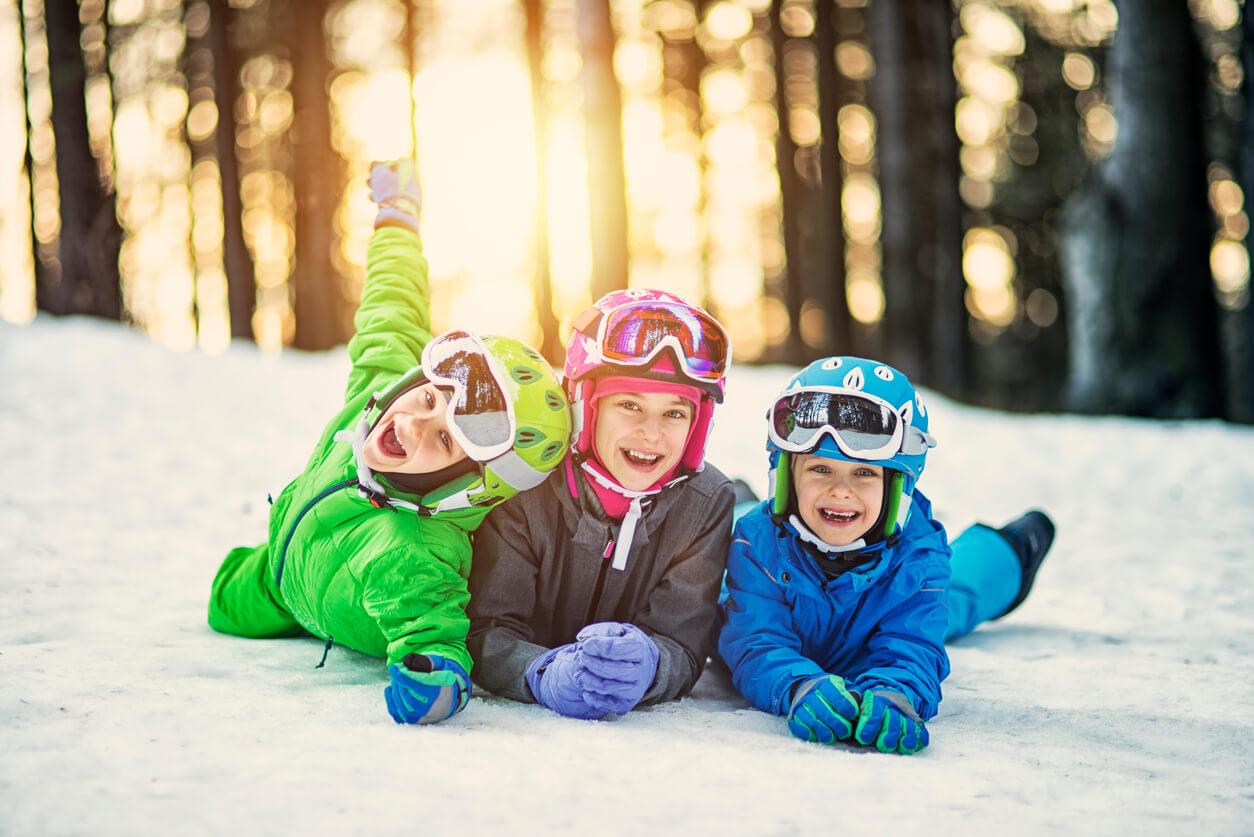 Férias na neve  saiba como proteger os olhos em países frios - HOlhos dbd32ba73a